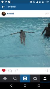 hahaha..i can float....Yipeeeeeeeee.