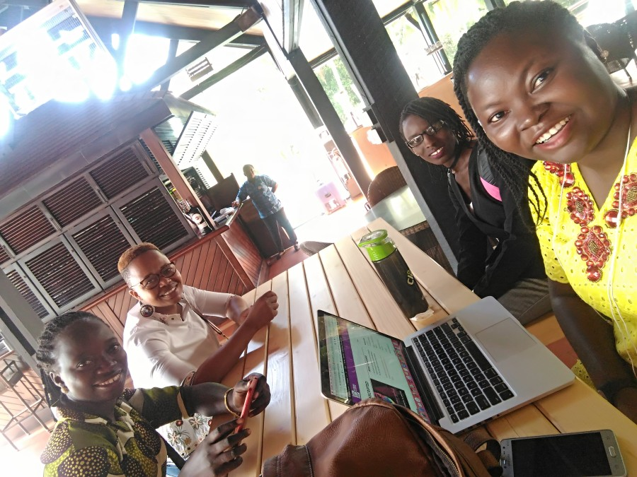 First friends made on arrival at Labadi Beach Hotel, venue of the TechWomenAfrica 2018 Summit, I do not remember names, I suck I know, Choiii.